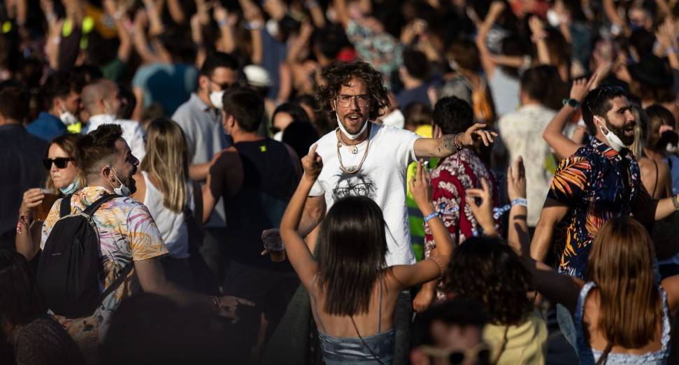 Over 2000 people test positive for COVID-19 following music festivals in Catalonia
