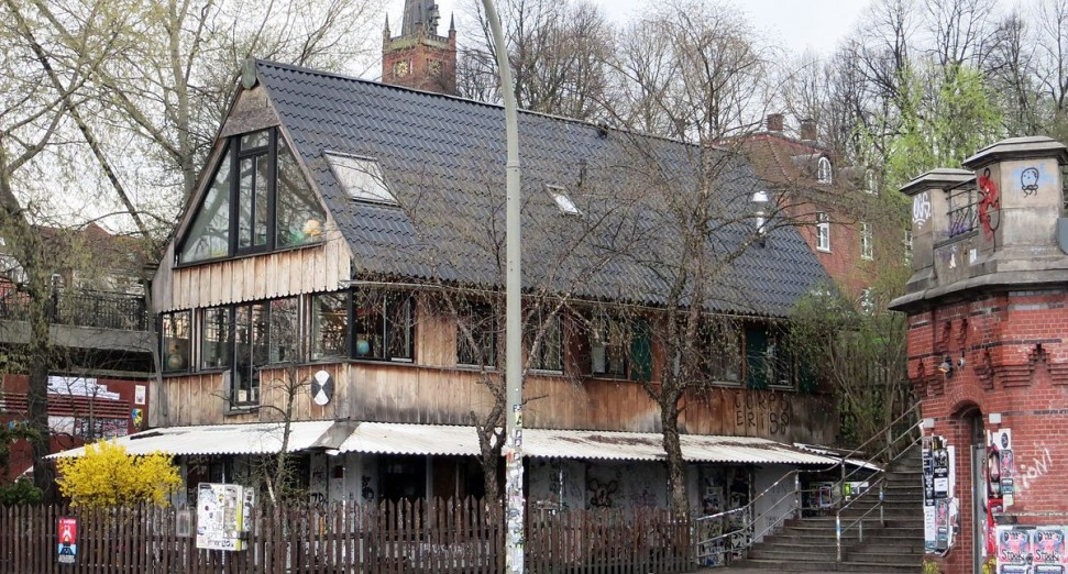 """Hamburg club Golden Pudel protected as a """"site of cultural worth"""""""