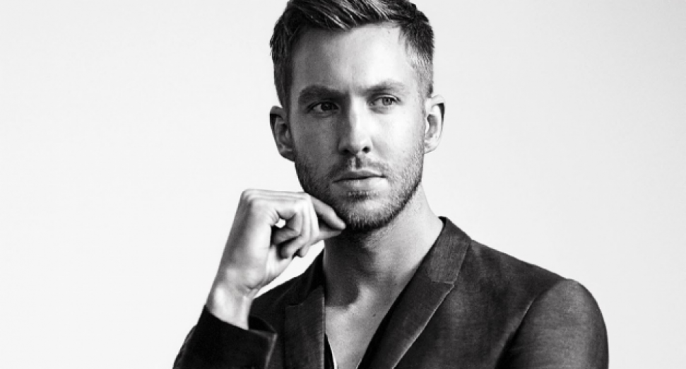 Calvin Harris has a picture of Rod Stewart in the booth with him when he DJs